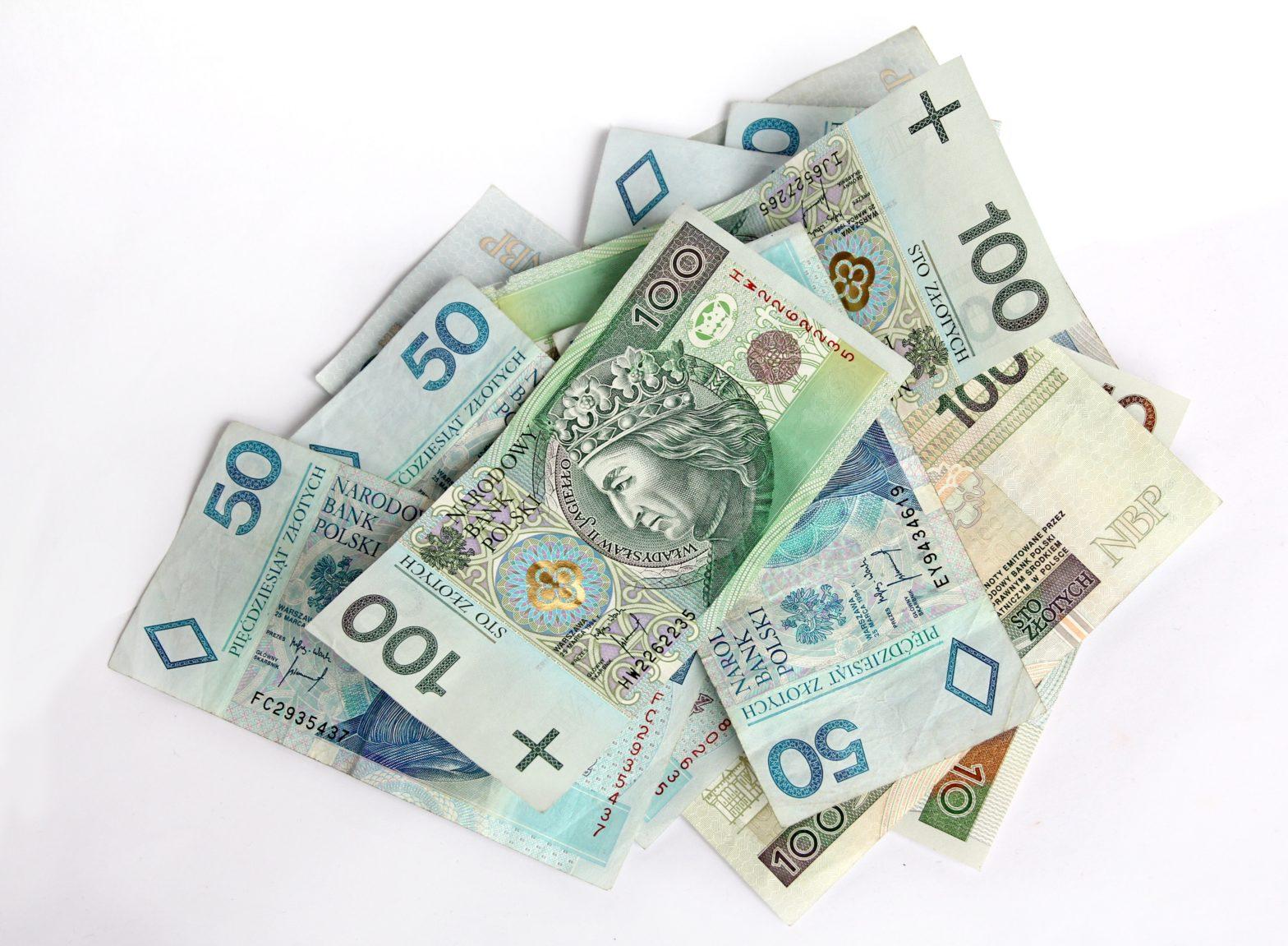 Pożyczka na rok – jak wybrać odpowiednią ofertę?