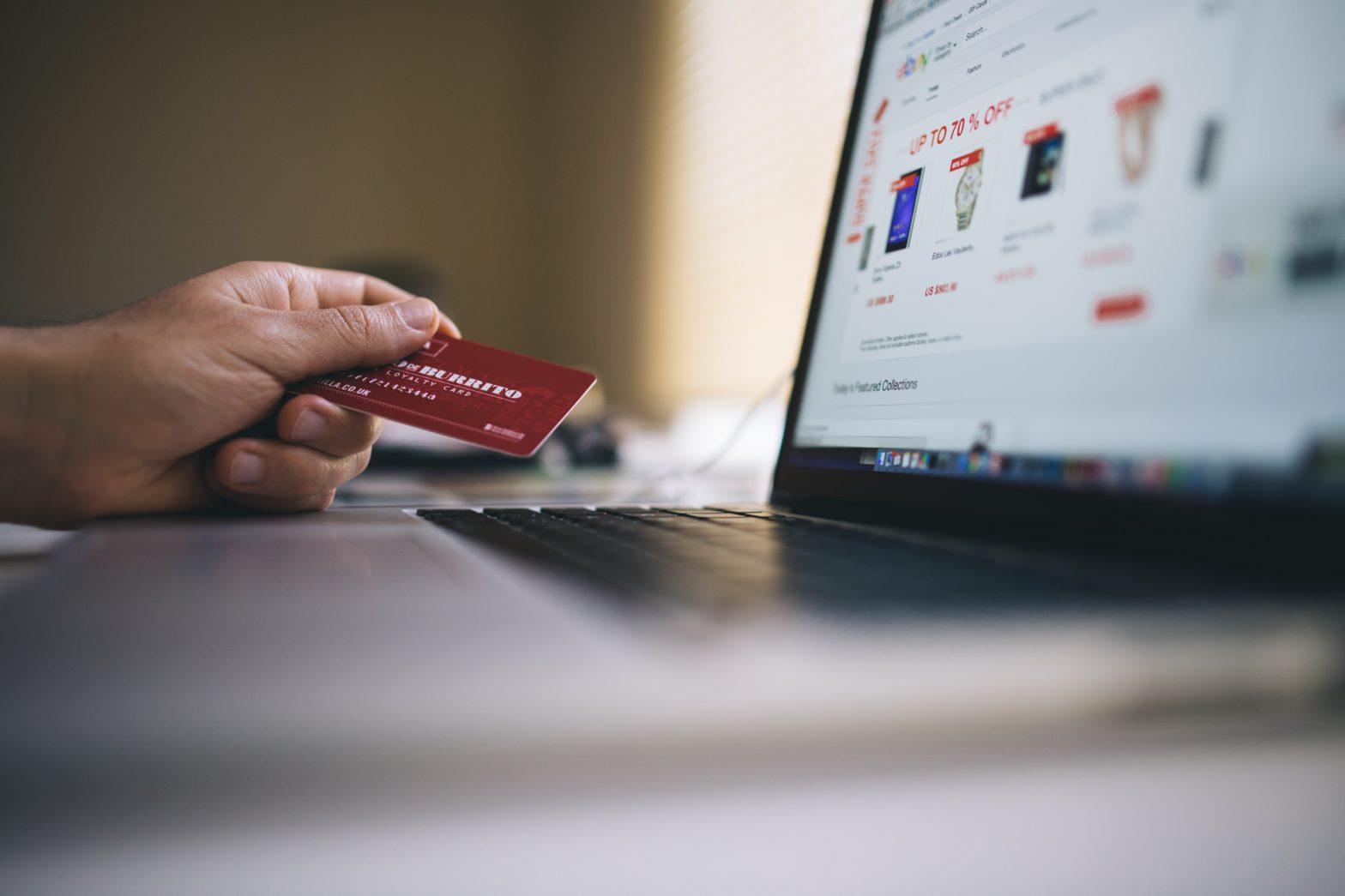 Pożyczka online – sposób na nieprzewidziane wydatki