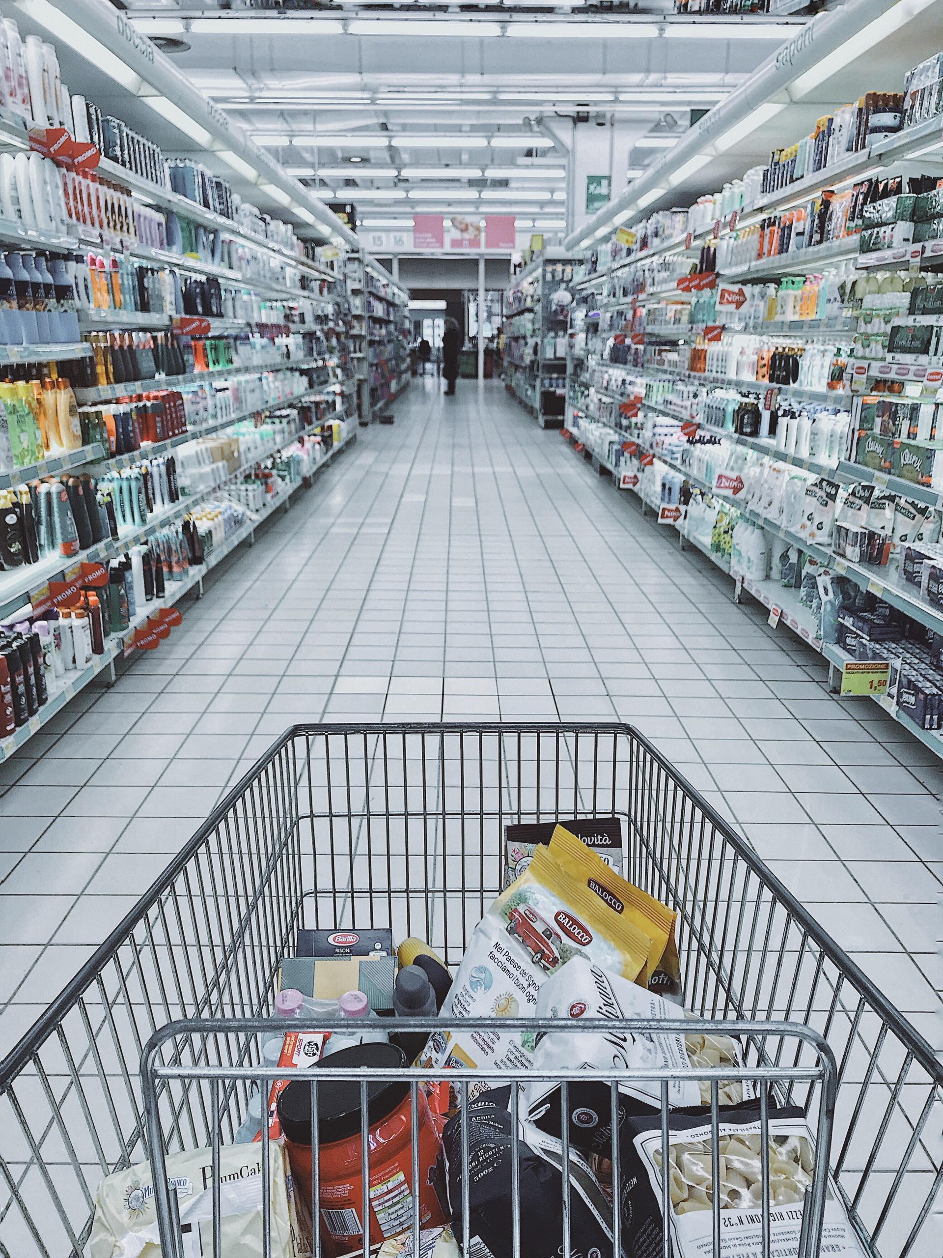 Jak oszczędzać na codziennych zakupach