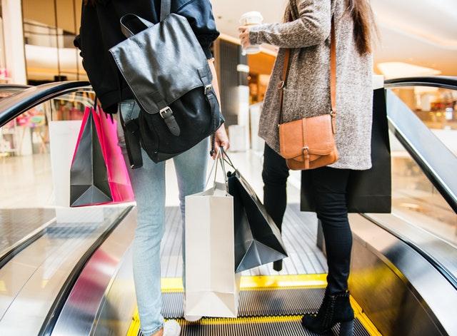 Oszczędne zakupy – proste triki, aby wydawać mniej na zakupach